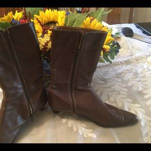 COPY - Coach mid-calf brown leather boots, side p…